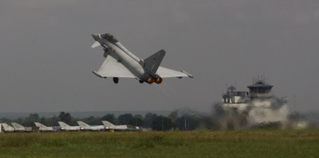 An RAF Eurofighter Typhoon taking off from IAF Kalaikunda.